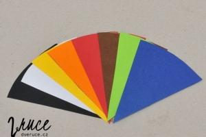 4. Osminu obkresle na papíry o požadovaných barvách a vystřihněte.