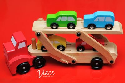 Převoz aut | Dřevěný kamion